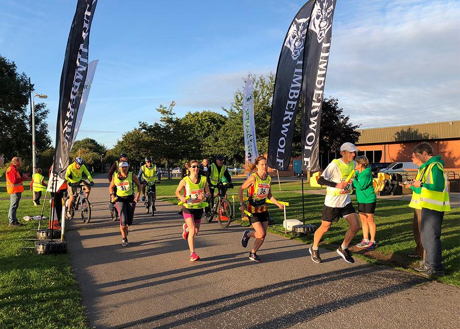Timberwolf Round Norfolk Relay 2018 - runners at start line - Timberwolf