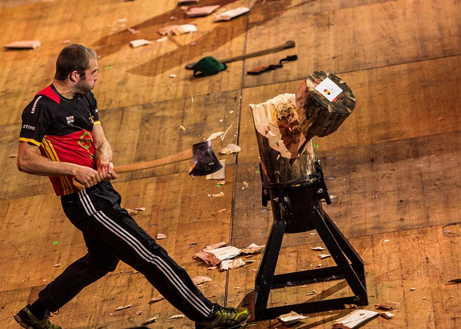 Koen Martens - winning standing block chop at Timbersports World Championships